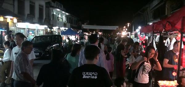marché de nuit luang prabang - thailande vacance