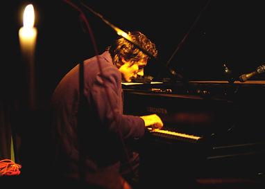 Sarrazy-Piano1.jpg