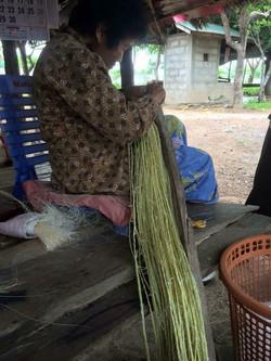 make straw hat 2