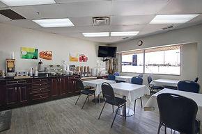 modernmedia-small-032-41-Breakfast Room-