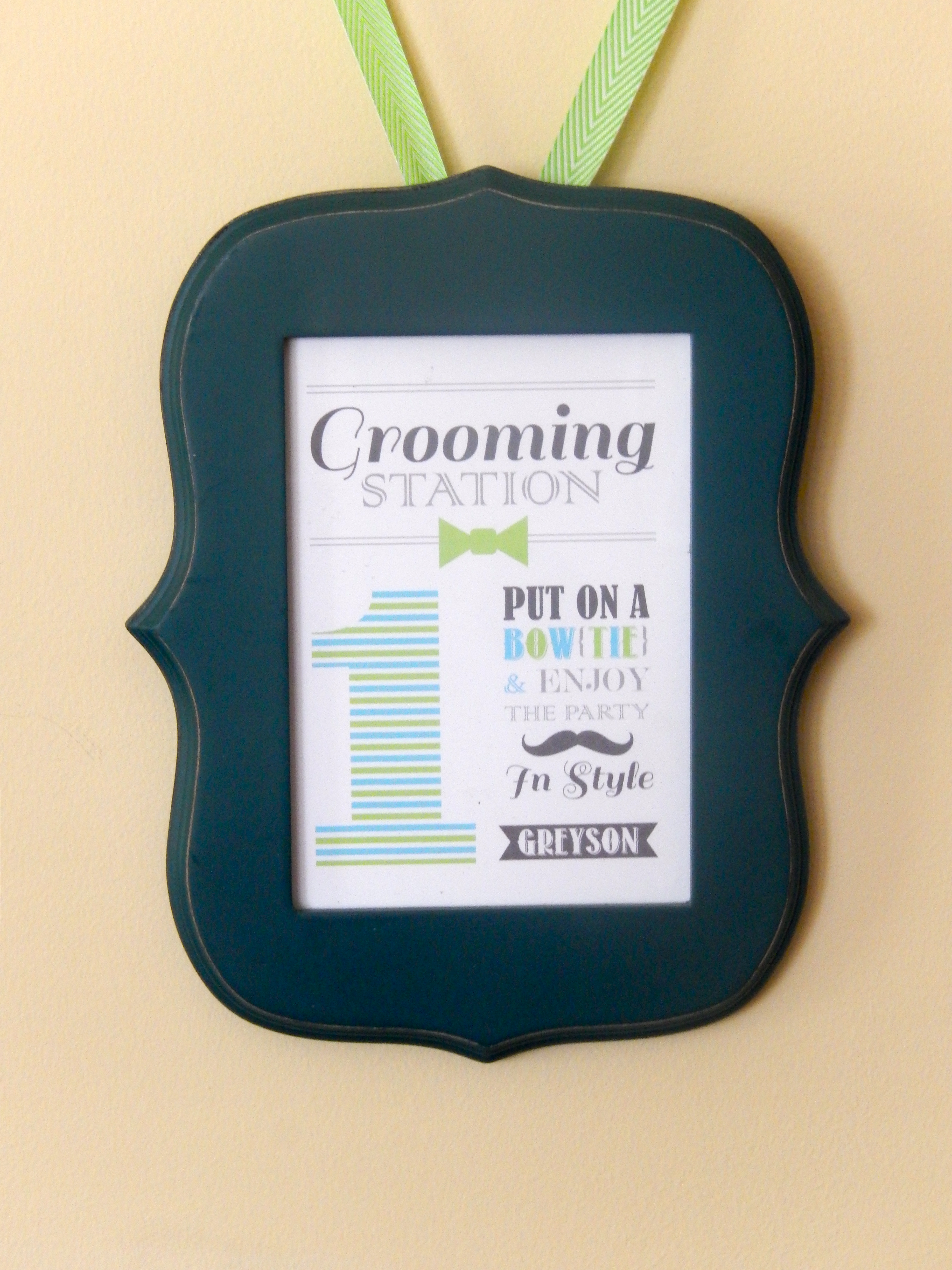 Grooming Station Sign