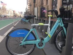 趴趴坐腳踏車兒童坐椅在舊金山