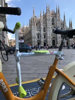 趴趴坐腳踏車兒童坐椅在意大利,米蘭