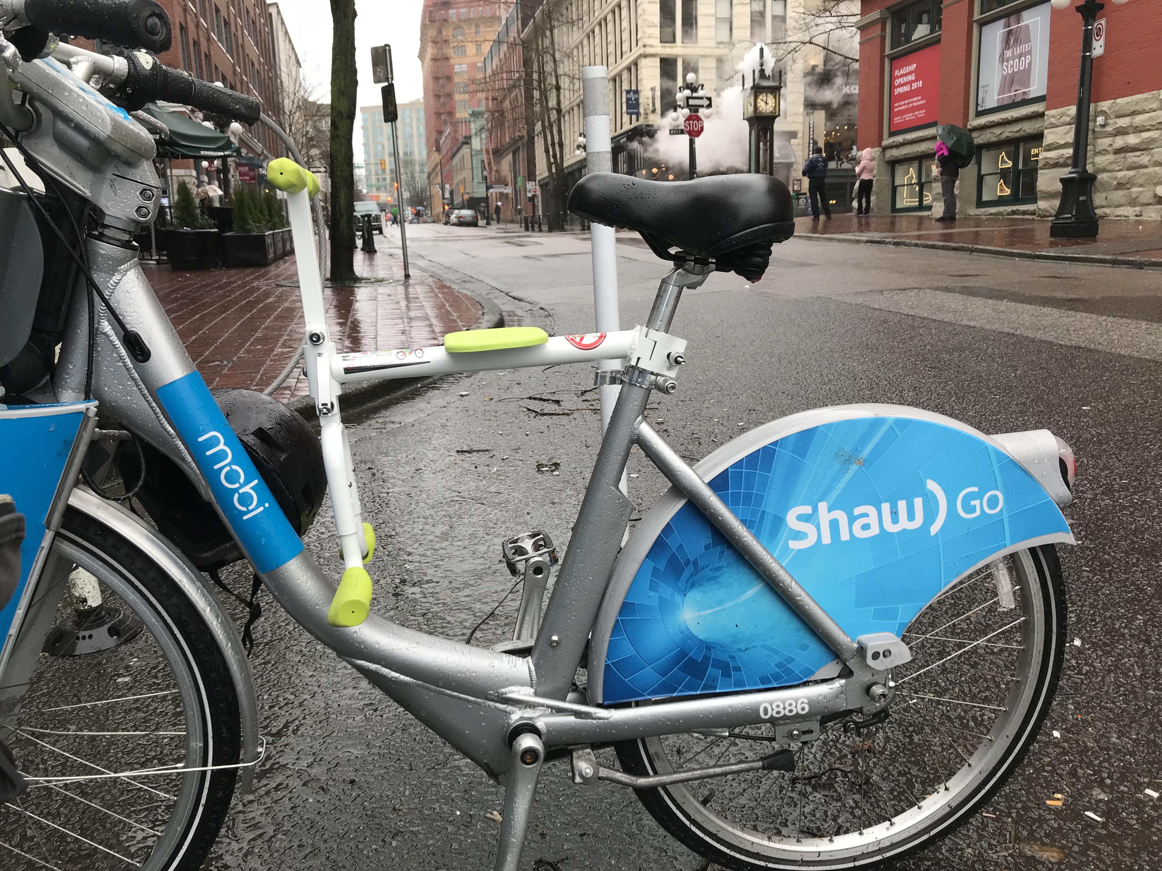 趴趴坐腳踏車兒童坐椅在溫哥華