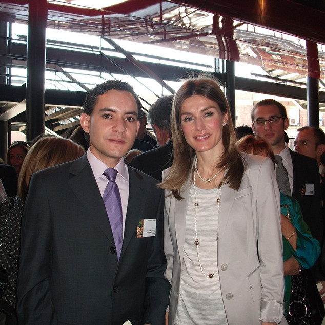 Robert Ferrer with Doña Letizia Ortíz, currently the Queen of Spain. Museo Nacional Centro de Arte Reina Sofía (Madrid), 2010.