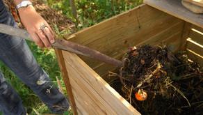 9. Composter ses déchets pour un sol vivant.