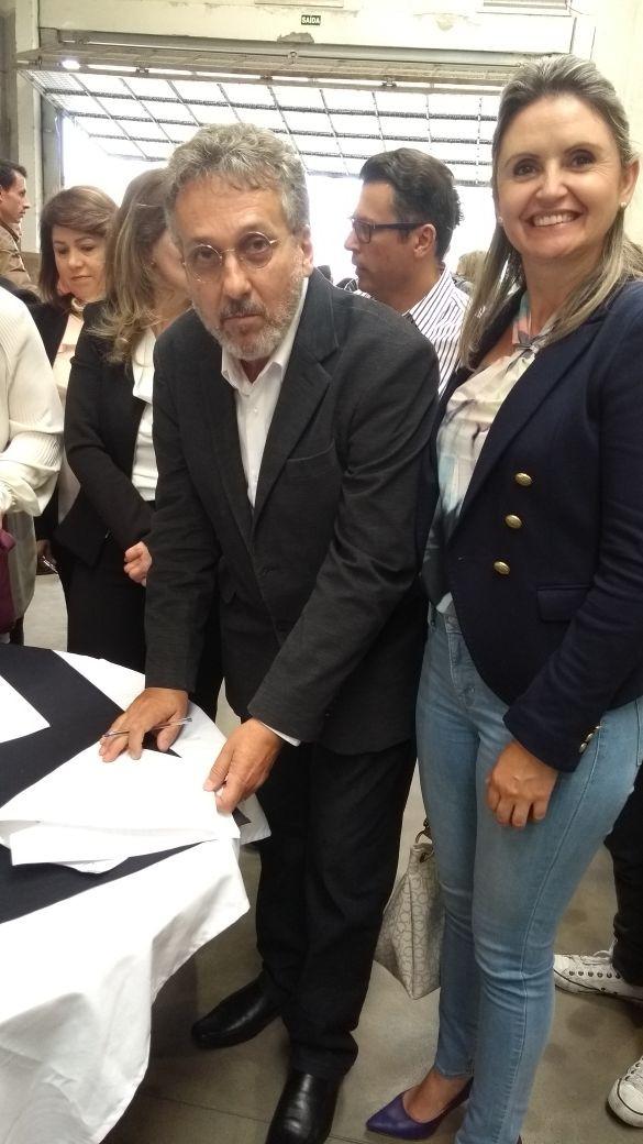 Dr. Ladislao Provedor Santa Casa e Emilinha Dir. Banco de Sangue