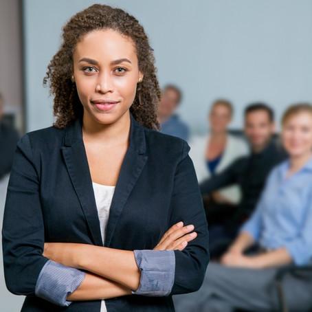 Liderança feminina: entenda a importância de ter na sua empresa mulheres como líderes