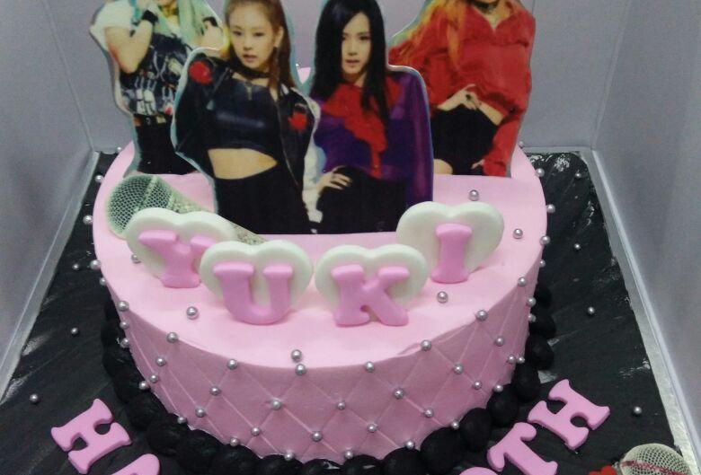 blackpink cake