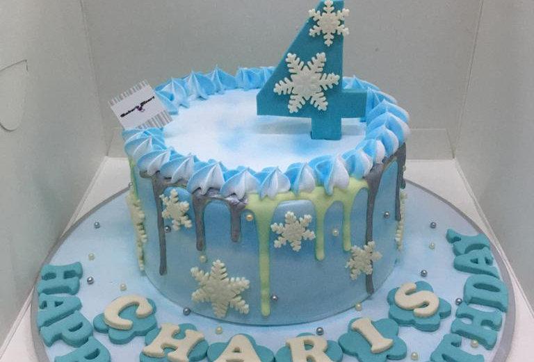 SNOWFLAKES CAKE 01