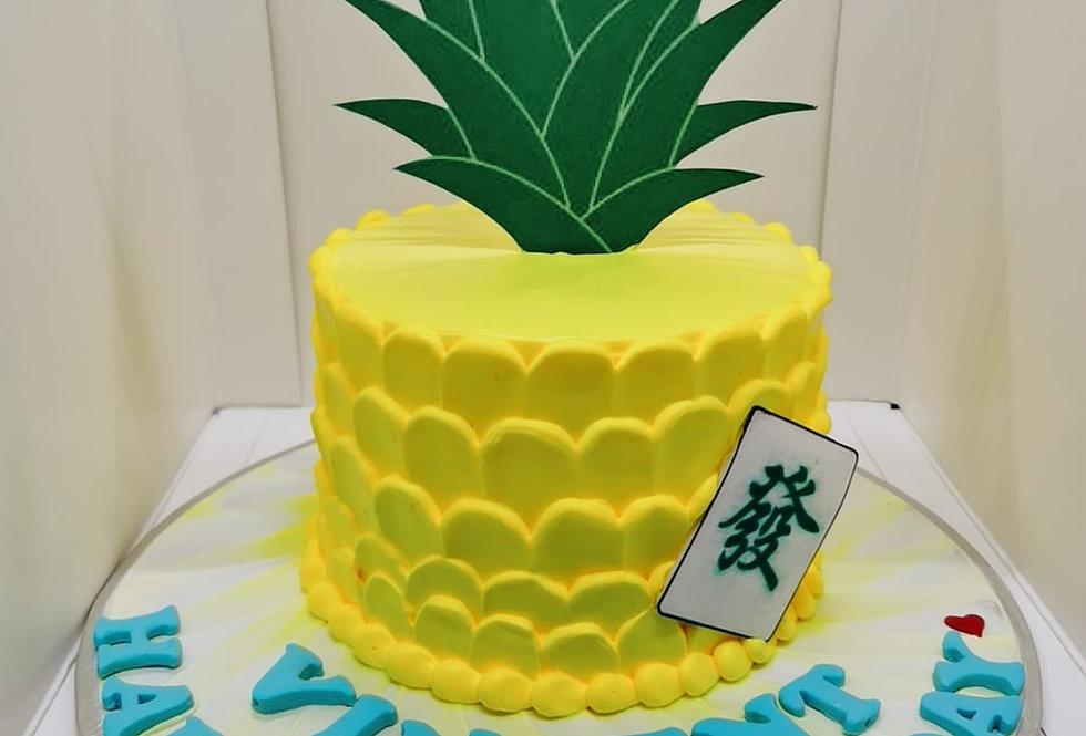 PINEAPPLE SHAPE CAKE