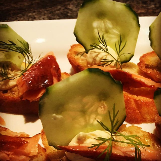 Smoked Salmon Canapé_•_•_#mammothcatering #privatechef #catering #mammoth #smokedsalmon