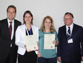 Dr. Heidi Noels and Dr. Yvonne Döring receive the W.H. Hauss Award from the DGAF