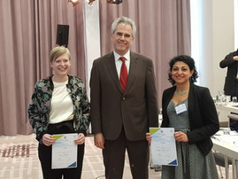 Setareh Orth-Alampour and Marieke Sternkopf won the award for the best posters!