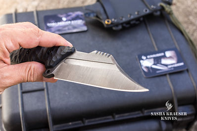 tactical wharncliffe blade with g10 handle