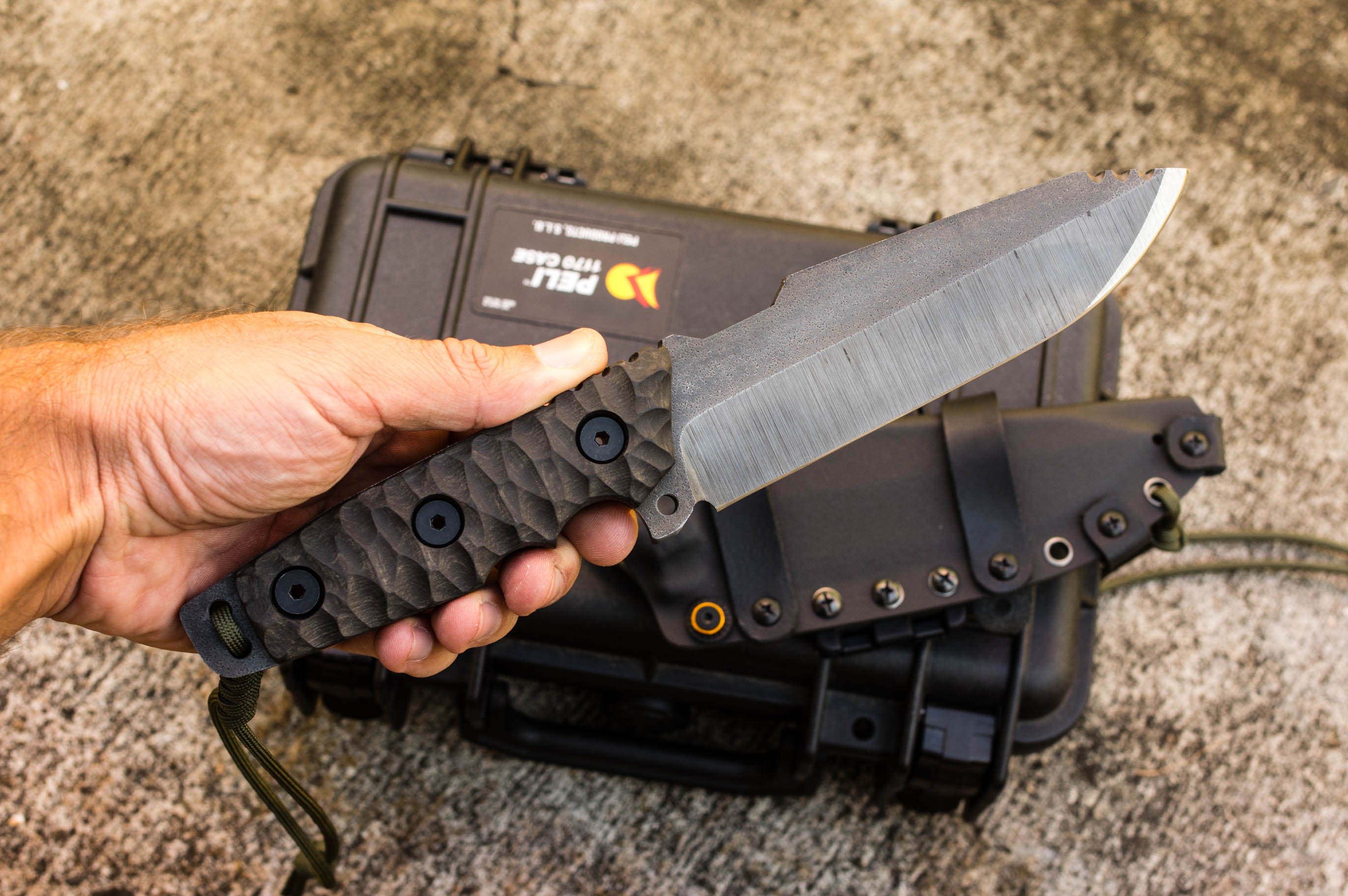 Krusader indestructible fixed blade