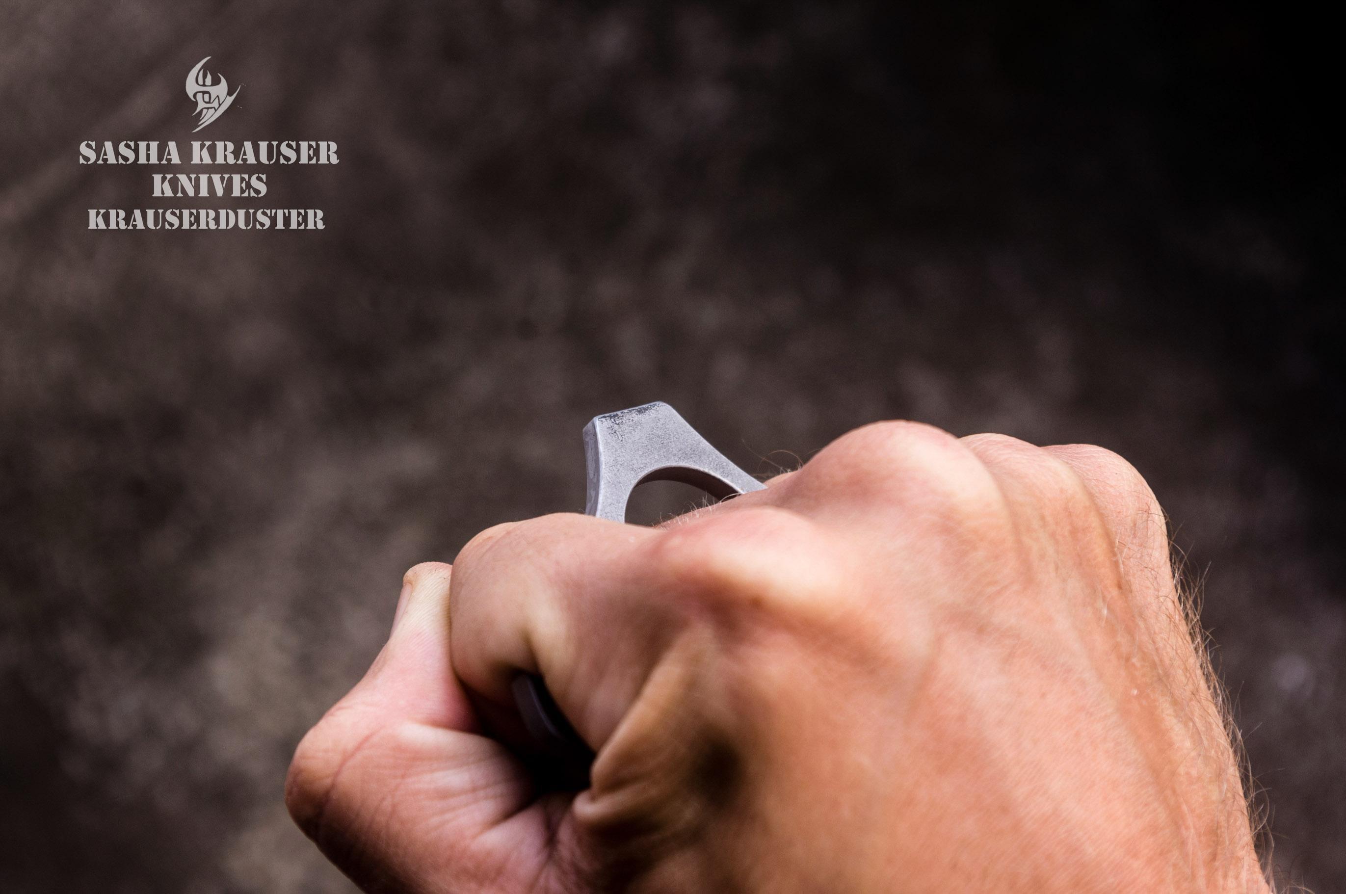 Knuckledusters alternative combat