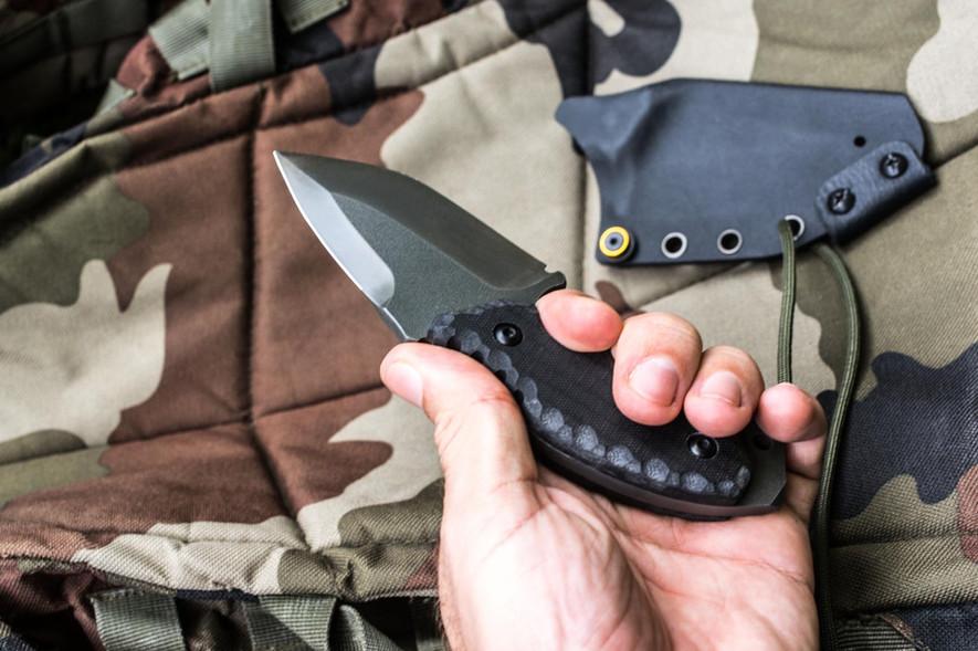 couteau double tranchant drop point fff