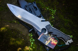 Pariah big fighter knife zombie