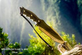 manche toxifié sur gros couteau bushcraft clégan