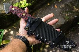 carbon kydex sheat on big fighter knife venom