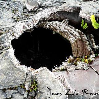 ouverture dans un tunnel de lave