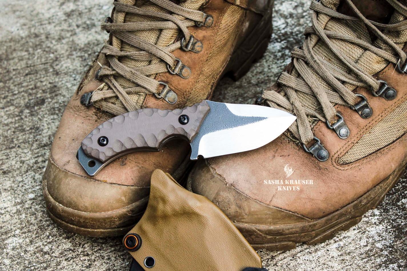 Franky4fingers edc neck knife
