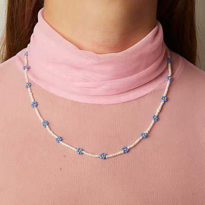 periwinkle daisy chain necklace