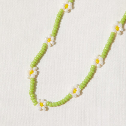 field daisy chain necklace