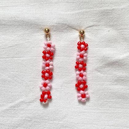 valentine lotsa daisy earrings