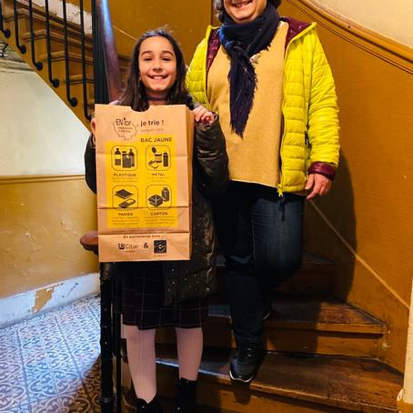 Myriam 10 ans, prend le relais dans son immeuble à Clichy