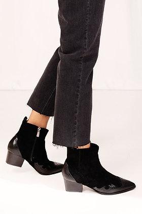 Black Lola boots