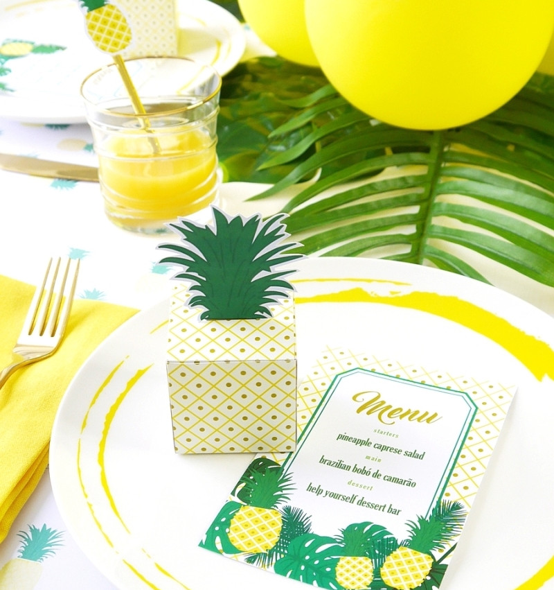 pineapple-birthday-party-table-decorations