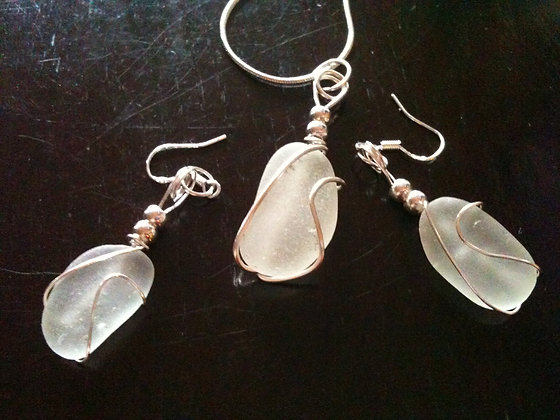 White Sea Glass - LRSGJ392