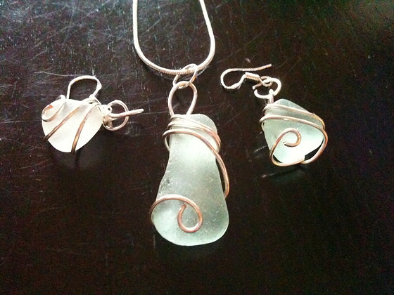 White Sea Glass - LRSGJ391