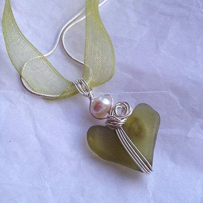 Olive Green Sea Glass & pearl Heart - LRSGJ602