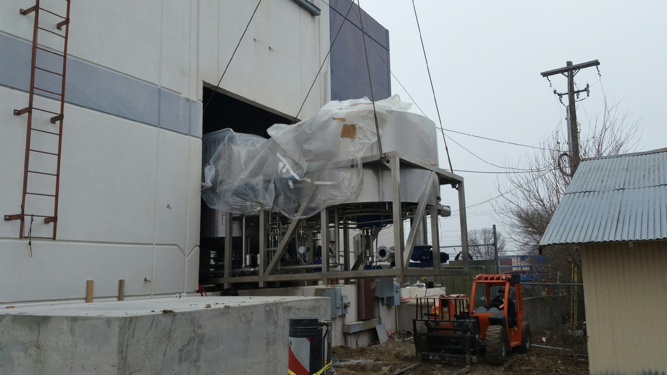 Celis Brewery tank install