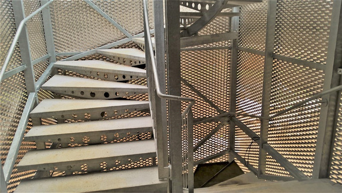 Cage escalier débillardé