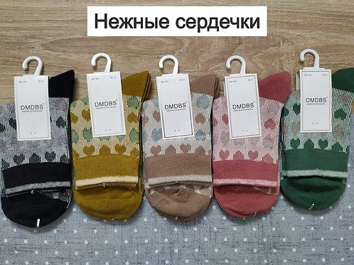 Женские плотные хлопковые носки средней длины с рисунком Сердце. Артикул BW-052