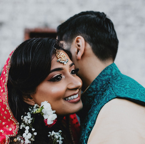 Priceless first look moments for this mehndi bride