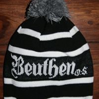 czapka z pomponem Bethen O.S. czarno-biała
