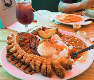 Lunch - Pollos Astoria.jpg