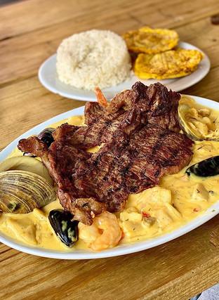 Seafood and Steak - Pollos Astoria.jpg