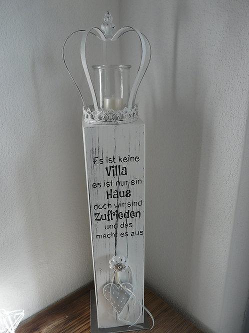 Holz Säule mit Spruch, Krone mit Kerzenglas, dekoriert und mit Metallfussplatte