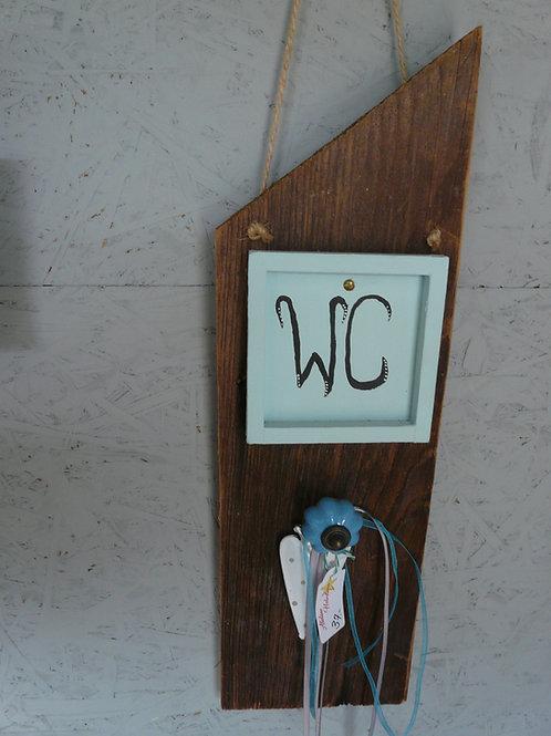 Altholz Brett mit WC Beschriftung
