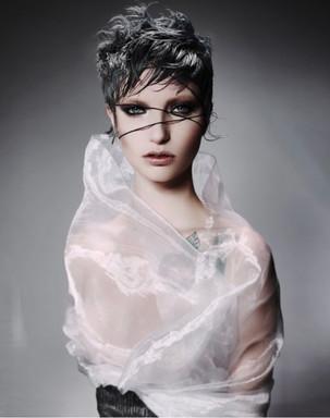 Photo: John Rawson Hair: Mio Sota Model: Ellie