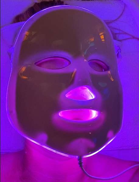 Light Therapy during HydraFacial