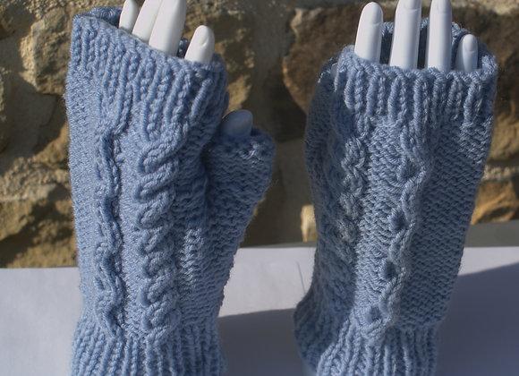 mitaines laine bleue motif torsade