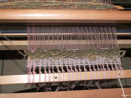Réalisation d'une descente de lit en  laine bouclette