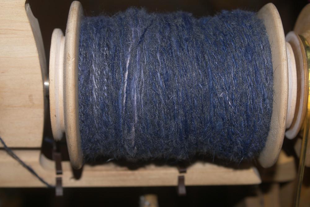 bobine  angora teinté bois de campêche